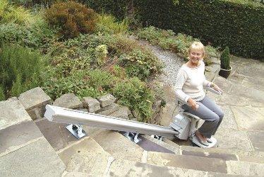 Descubre el robot que te ayuda a subir escaleras